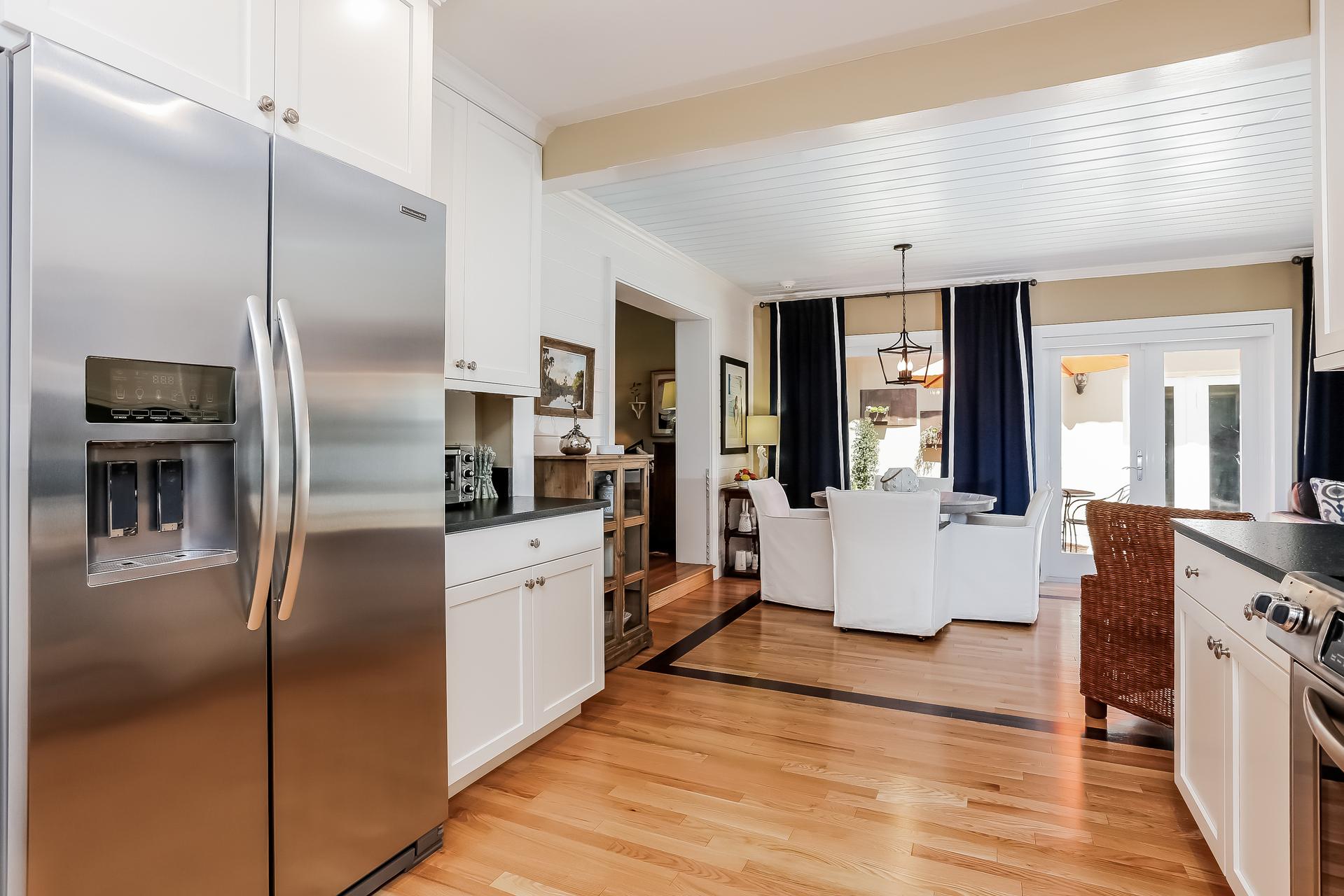 016-Kitchen-2647608-medium.jpg