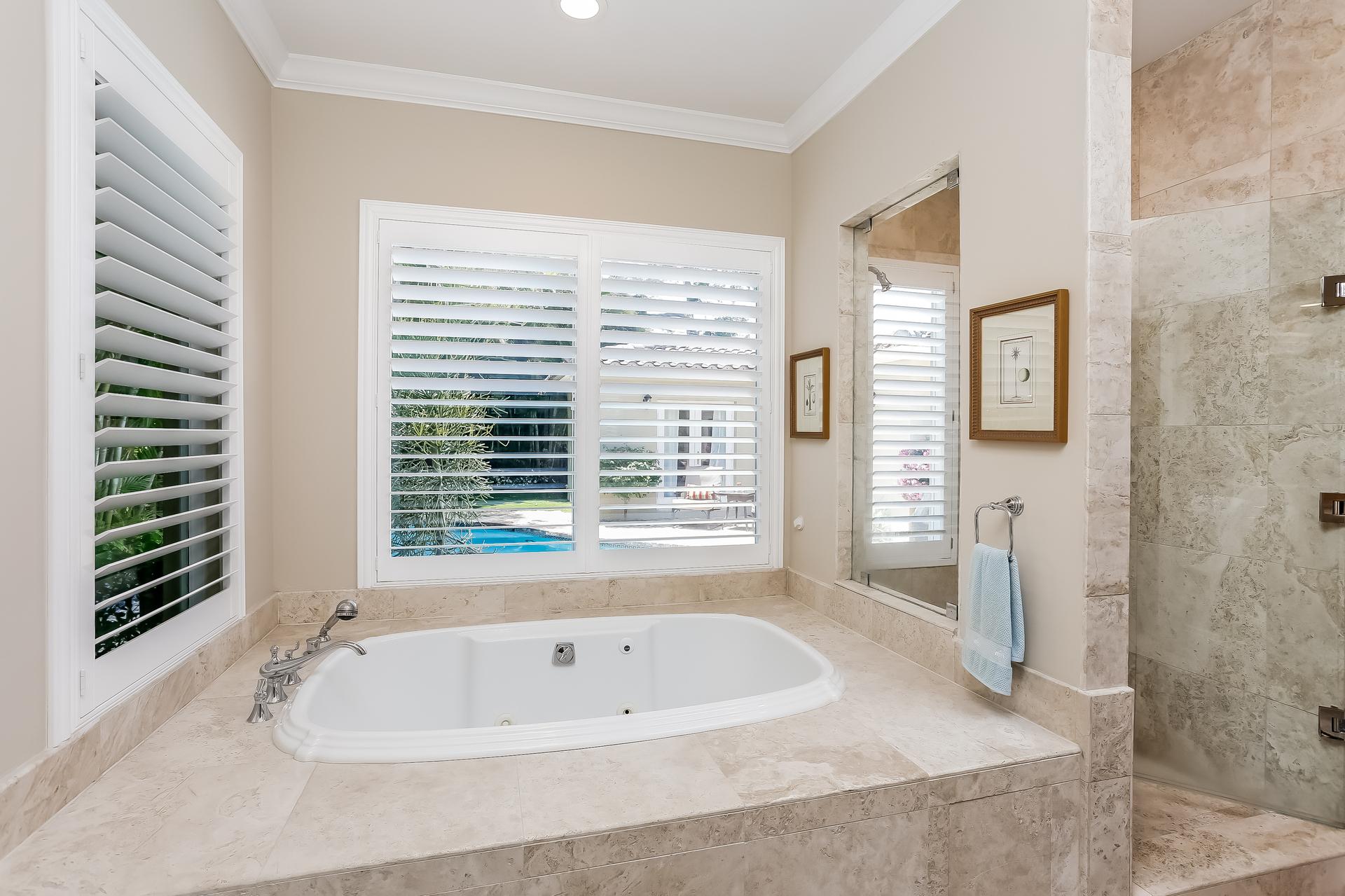 027-Master_Bathroom-2647597-medium.jpg