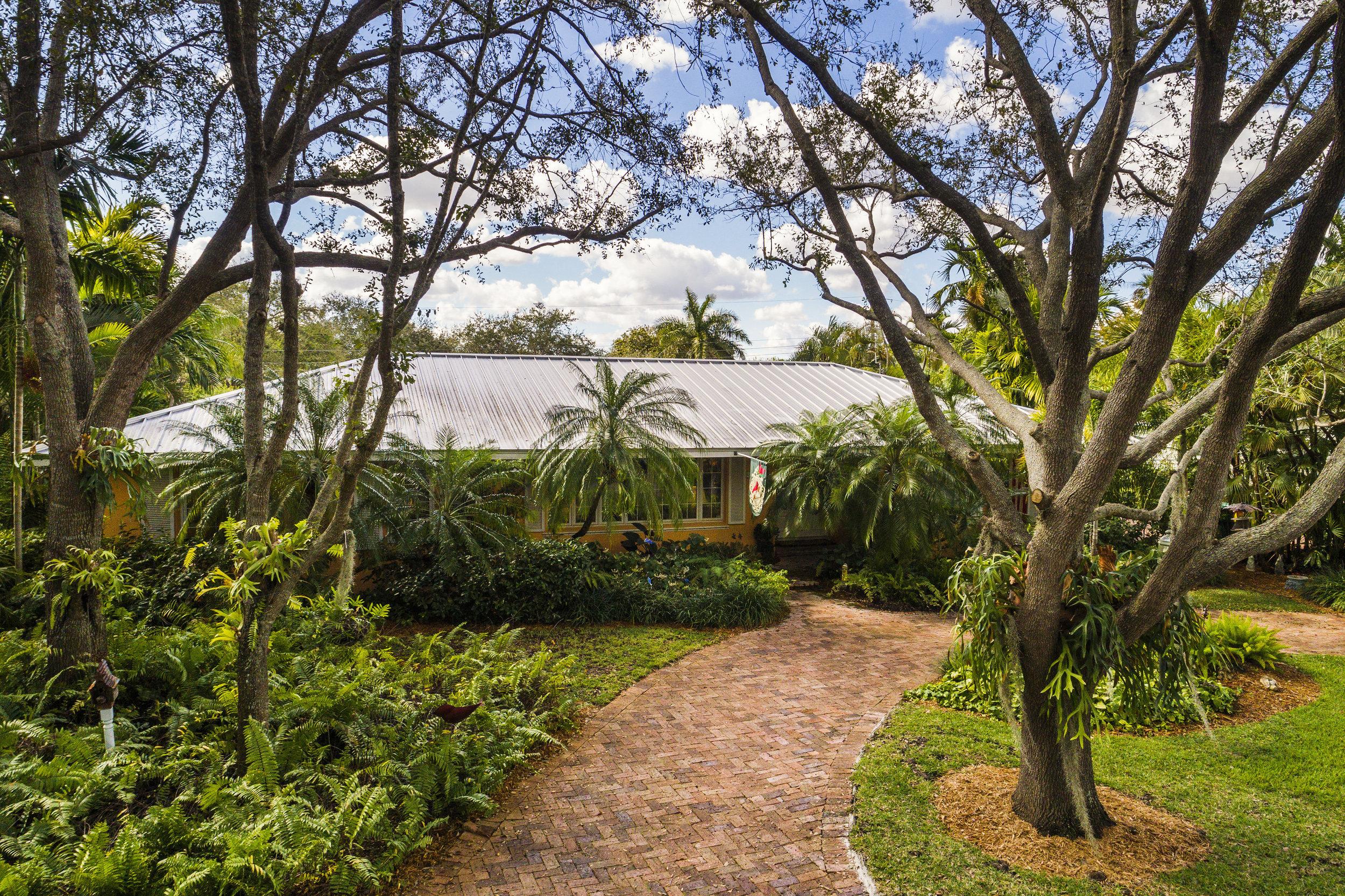 palmetto island new listing pinecrest