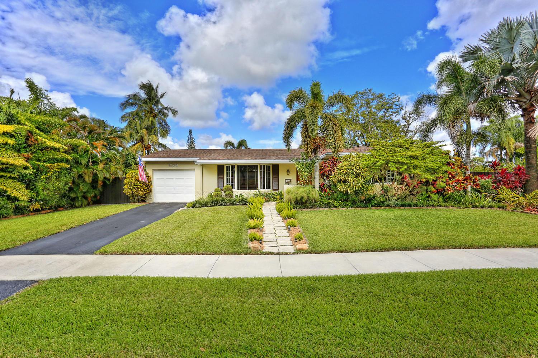 1- 10241 SW 99th Ave Miami FL-large-001-8-10241 SW 99th Ave  Lynley-1500x1000-72dpi.jpg.jpg