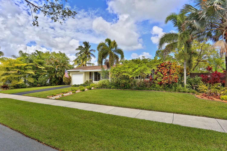 2- 10241 SW 99th Ave Miami FL-large-005-16-10241 SW 99th Ave  Lynley-1500x1000-72dpi.jpg