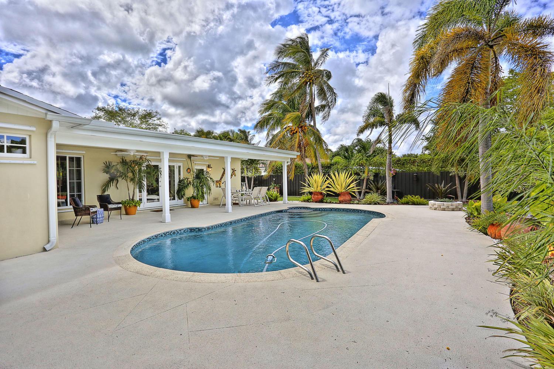 4- 10241 SW 99th Ave Miami FL-large-028-5-10241 SW 99th Ave  Lynley-1500x1000-72dpi.jpg