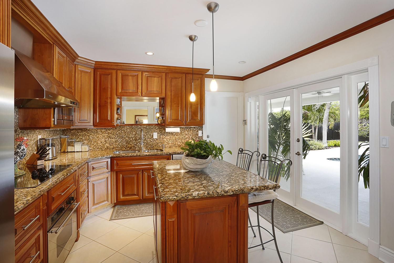 13- 10241 SW 99th Ave Miami FL-large-017-20-10241 SW 99th Ave  Lynley-1500x1000-72dpi.jpg