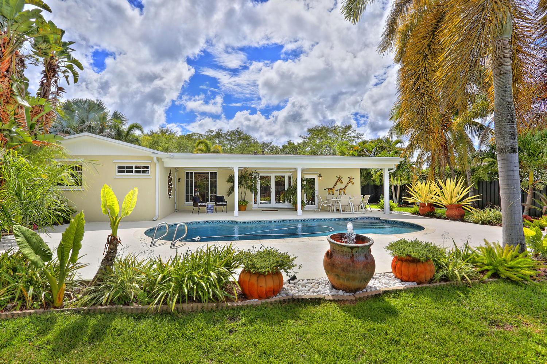 23- 10241 SW 99th Ave Miami FL-large-031-4-10241 SW 99th Ave  Lynley-1500x1000-72dpi.jpg
