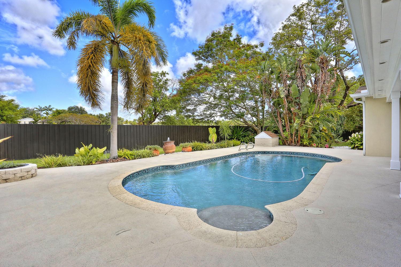 25- 10241 SW 99th Ave Miami FL-large-029-3-10241 SW 99th Ave  Lynley-1500x1000-72dpi.jpg