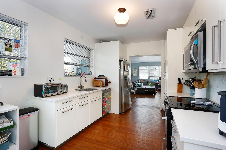 12900 SW 82nd Ct Miami FL-large-008-15-Kitchen-1500x1000-72dpi.jpg