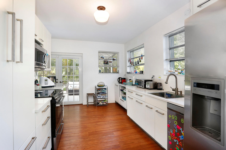 12900 SW 82nd Ct Miami FL-large-009-9-Kitchen-1500x1000-72dpi.jpg