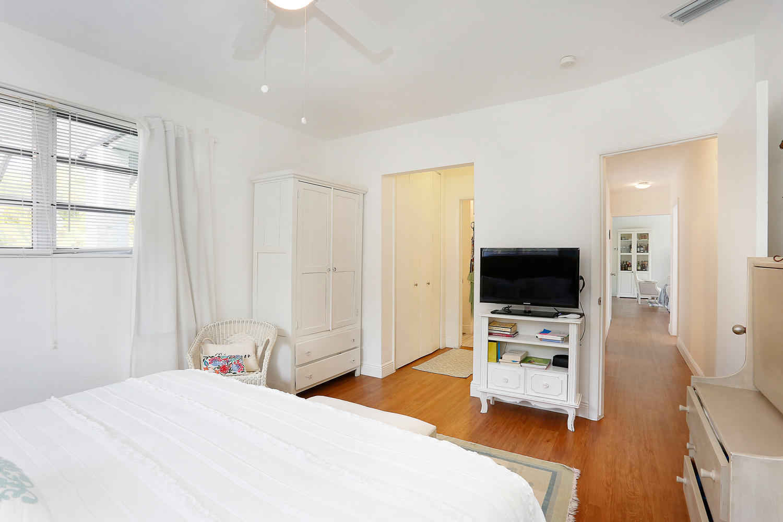12900 SW 82nd Ct Miami FL-large-013-8-Master Bedroom-1500x1000-72dpi.jpg