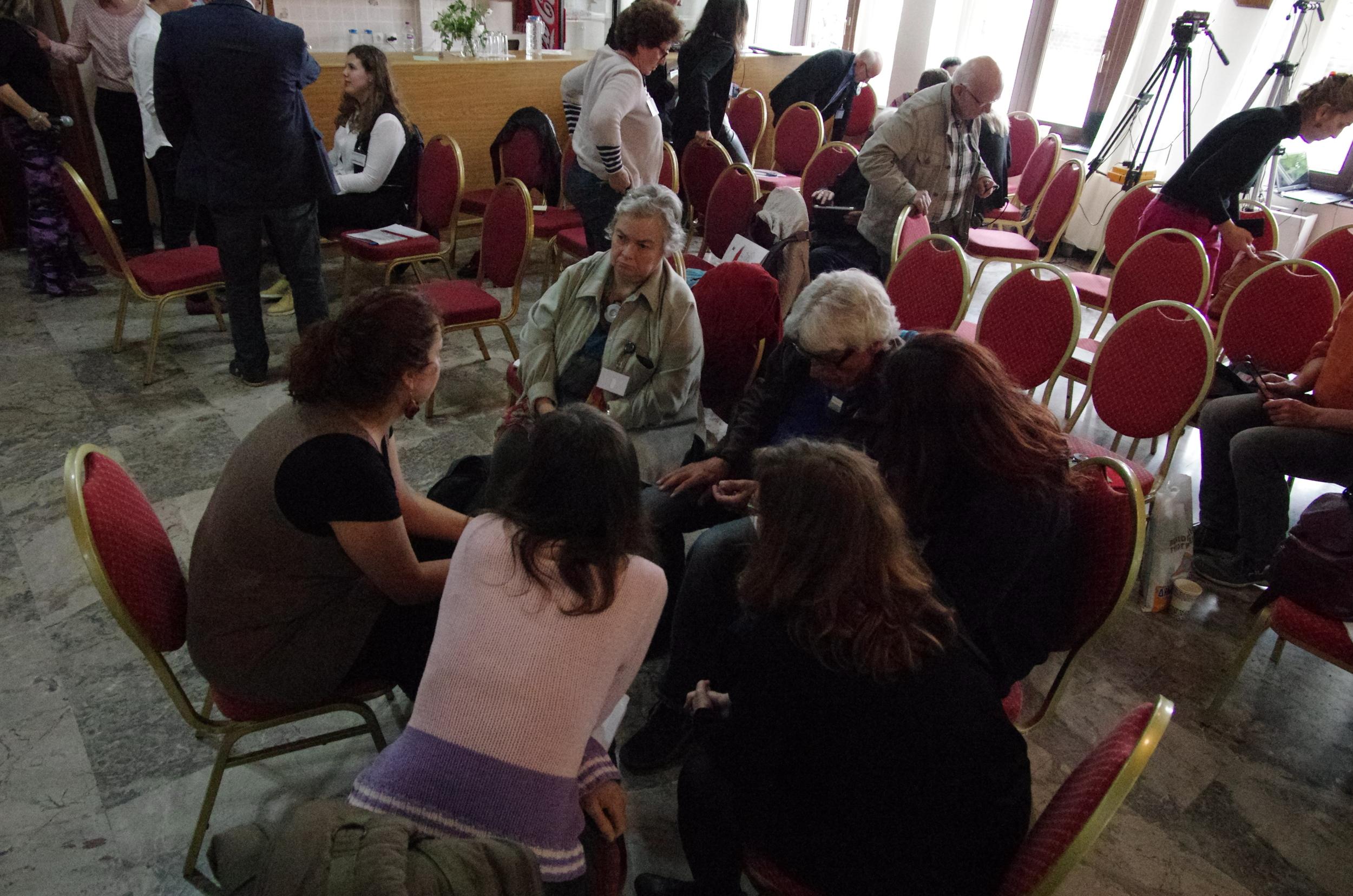 Im Workshop von Lydia Konsta zu Kust und Erinnerung