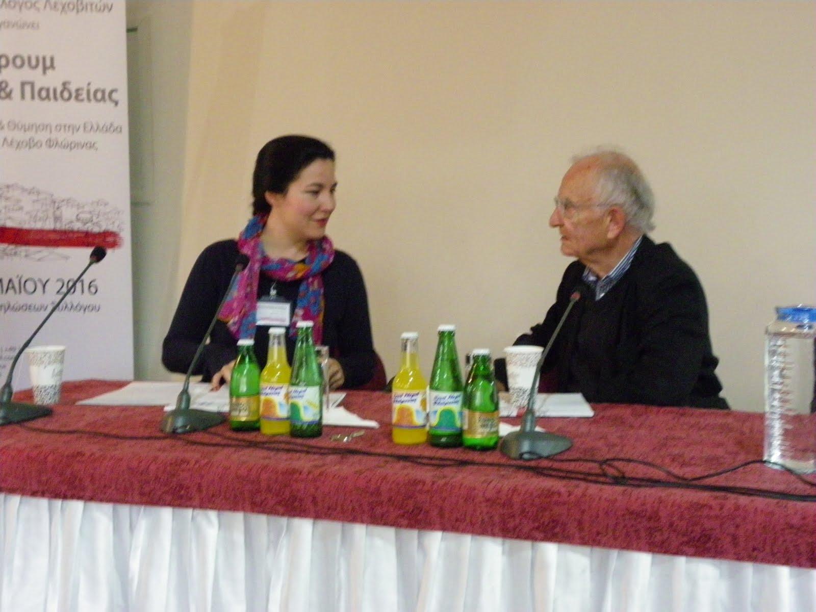 Carolina Rehrmann und Prof. Dr. Paech in der Podiumsdiskussion