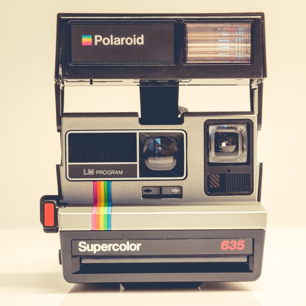 black-camera-classic-191160.jpg
