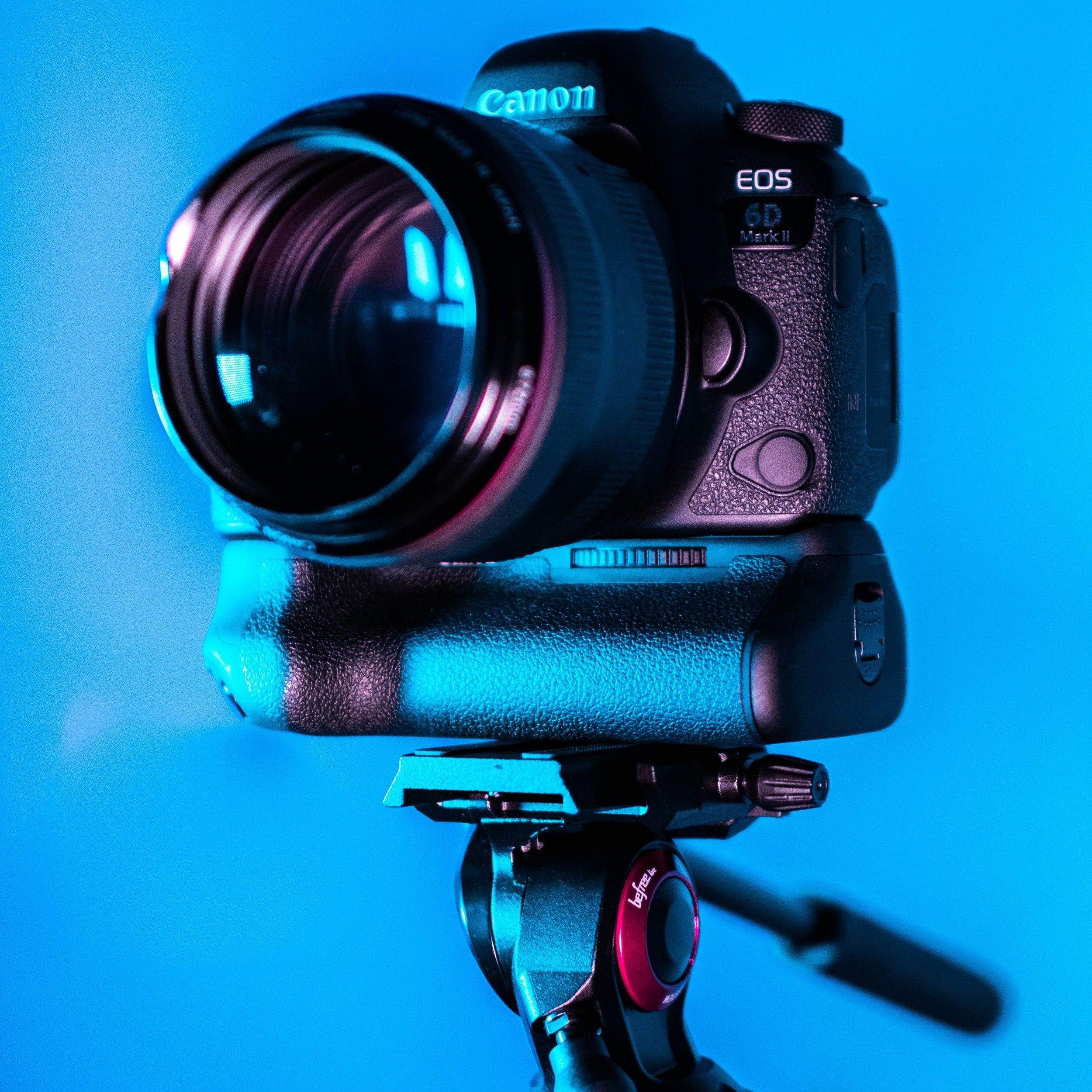blur-camera-camera-equipment-1787235.jpg