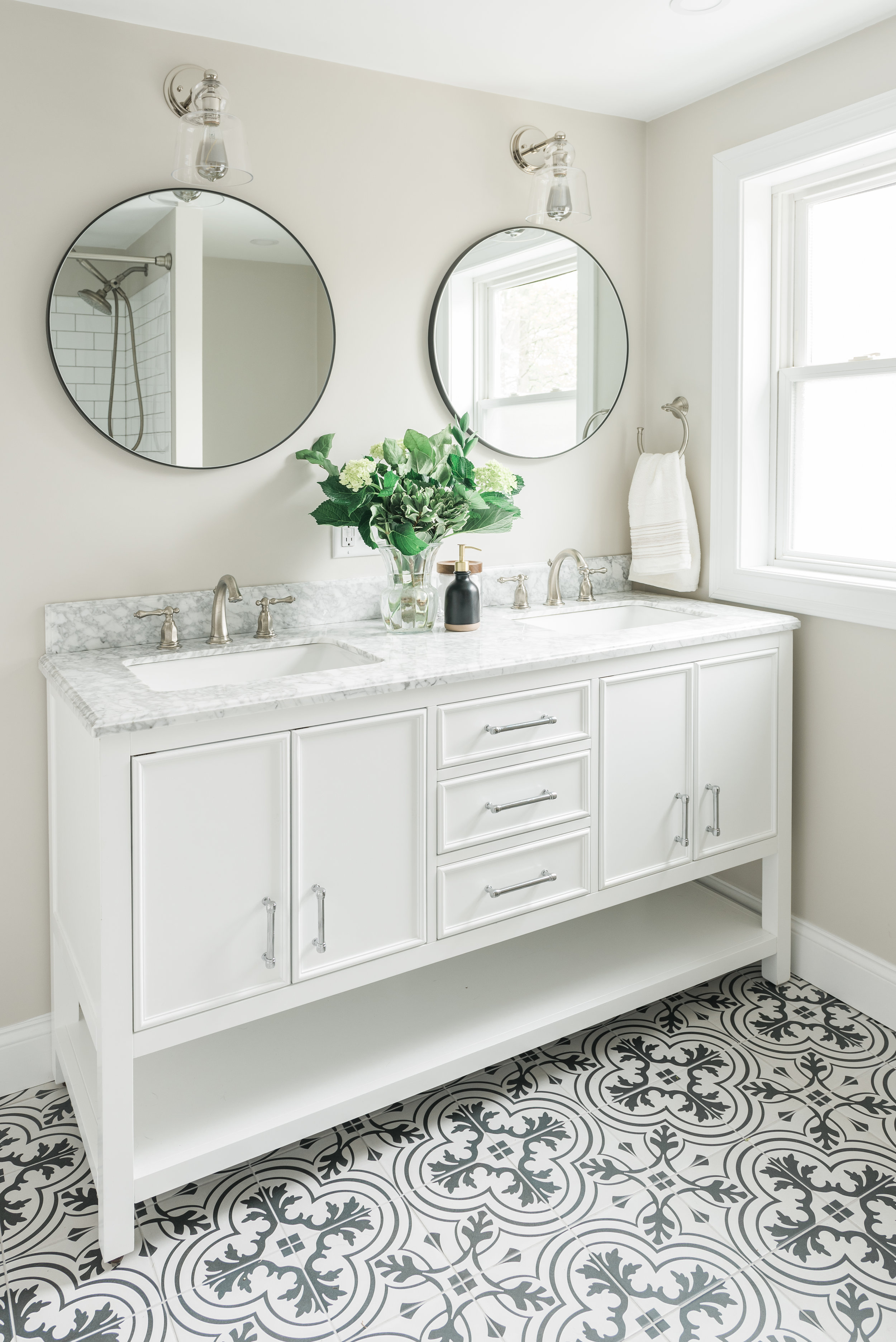 Bathroom-0004.jpg