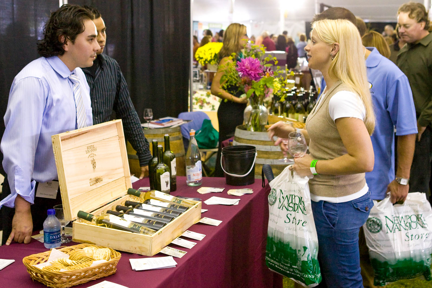 Newport Mansions-Wine & Food Festival-Table-Cliff Notes.jpg
