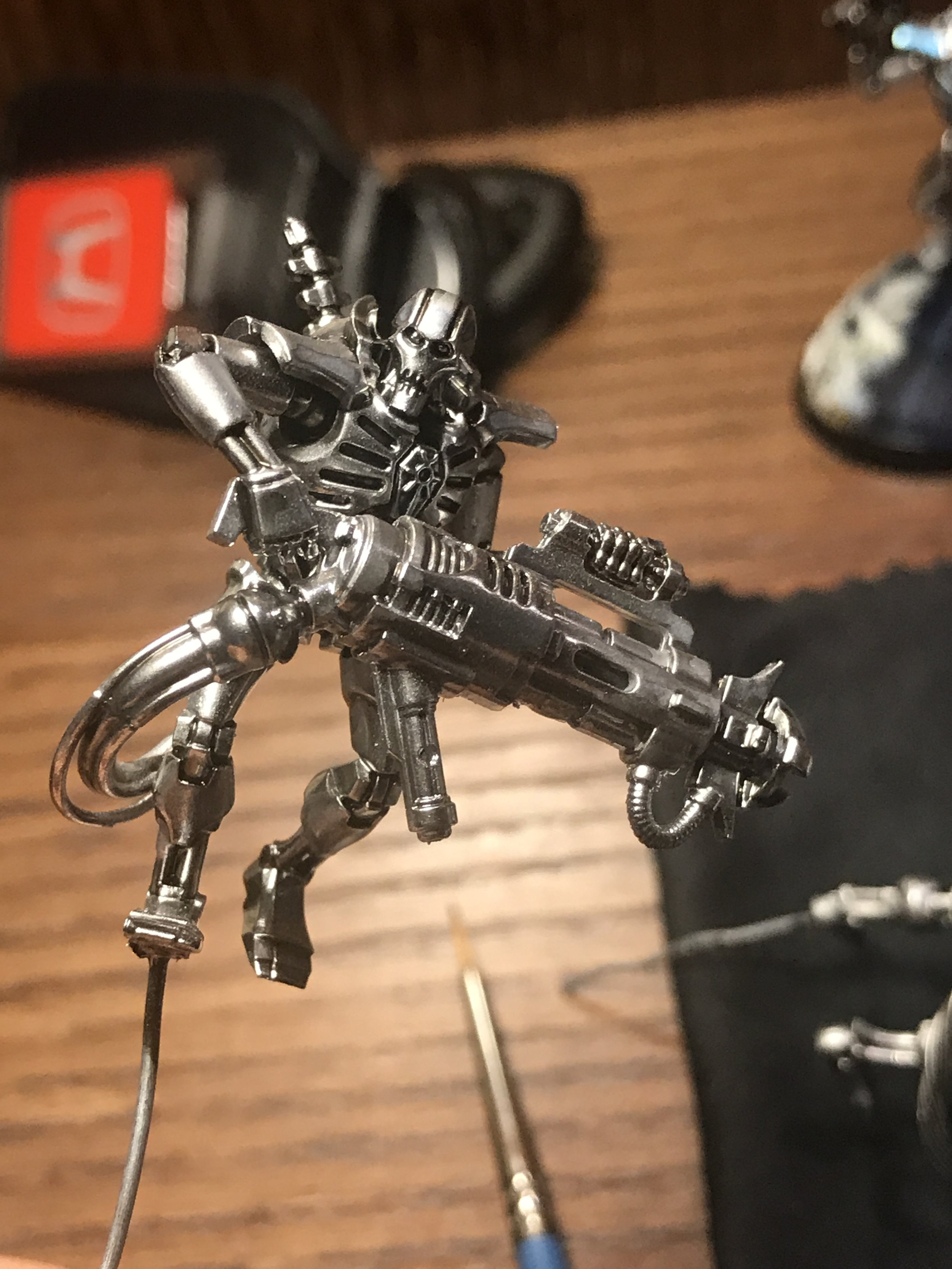 Neat application of gloss nuln oil