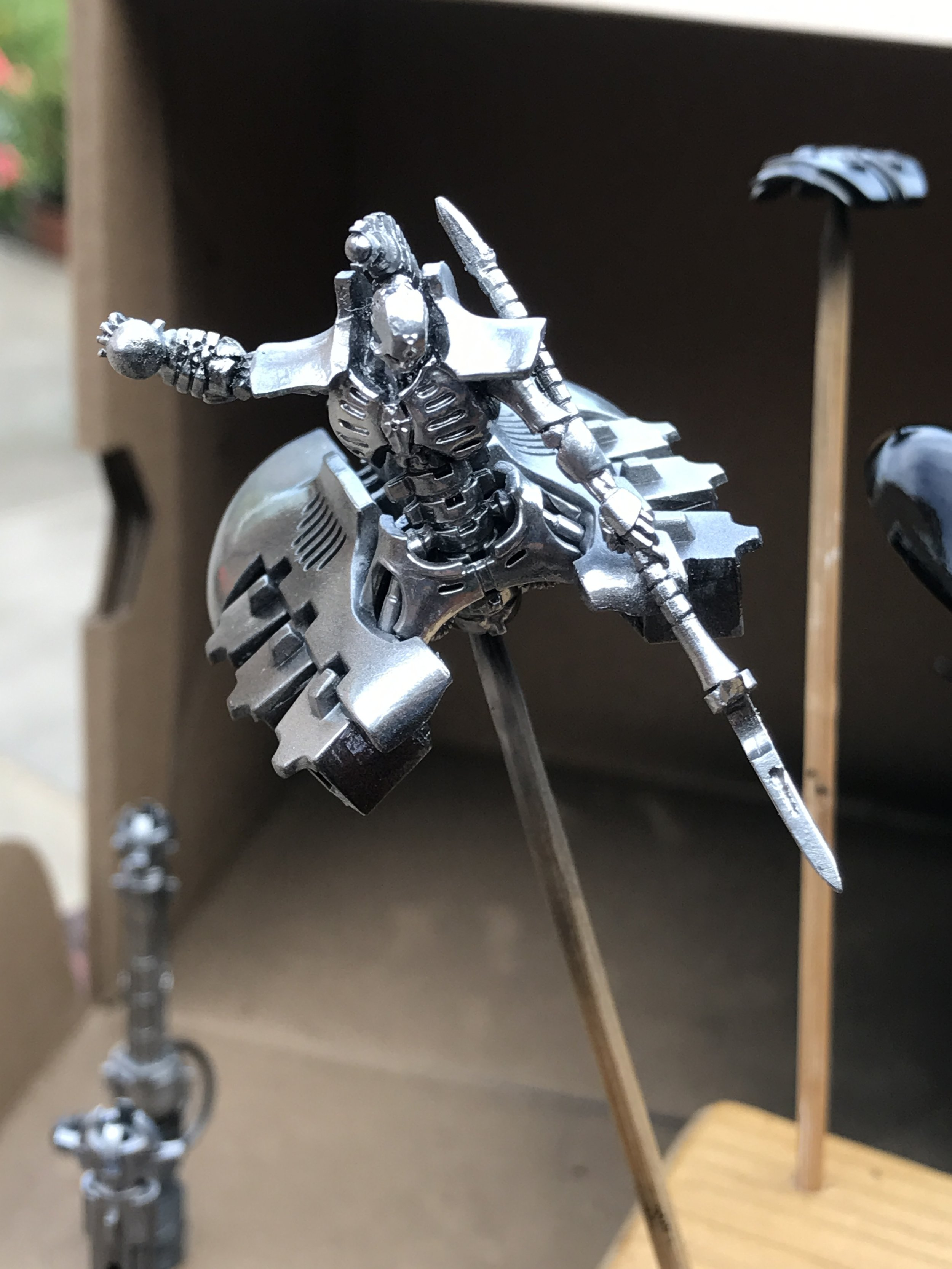 The Destroyer Lord, where you can see the gloss black in the shadows already adding definition even before a black wash