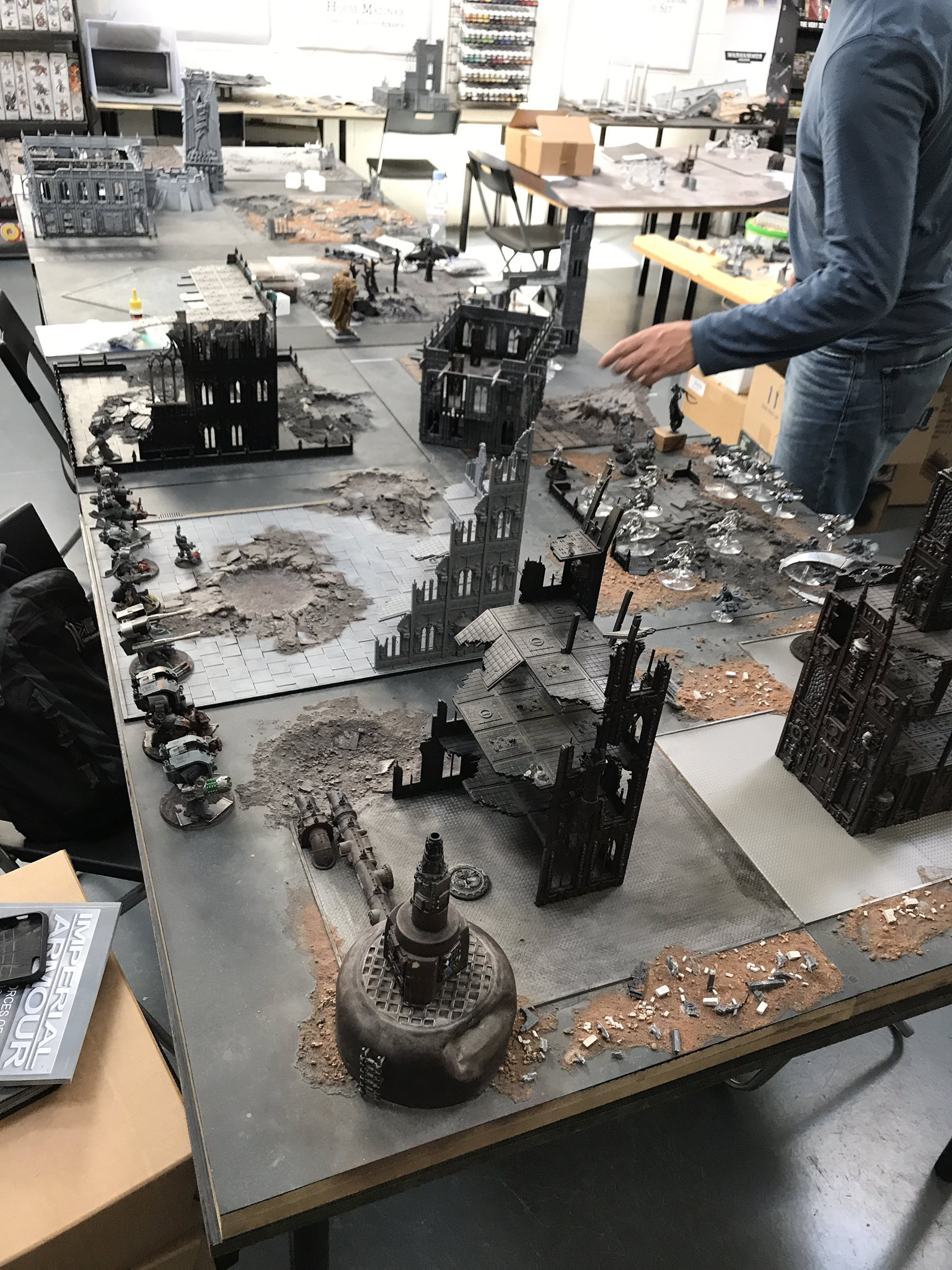 Serting up the chrome force as Dave started hiding all his Dreadnoughts. You can just make out his first one deployed in the ruin at the far left
