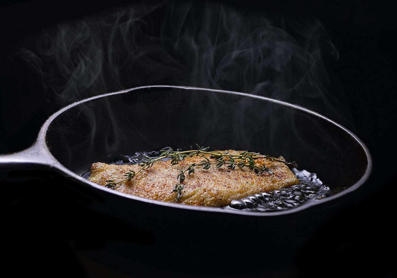 frying fish-6287 -SQ-1500pix copy.jpg