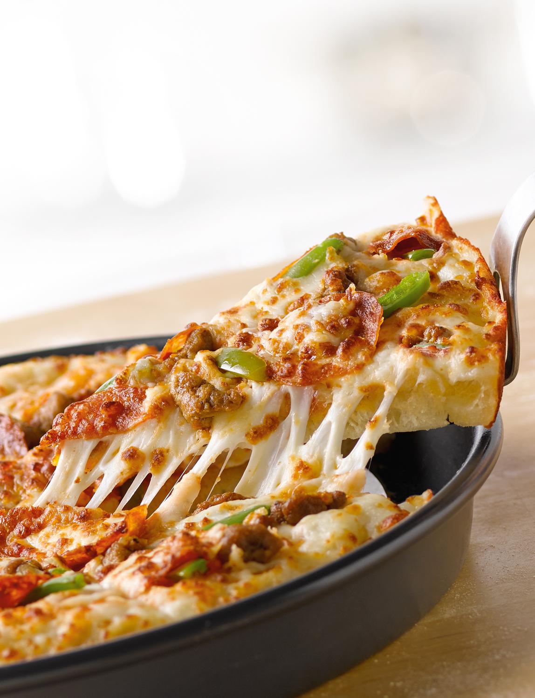 3-top-pan-cheese-pull-6895.jpg