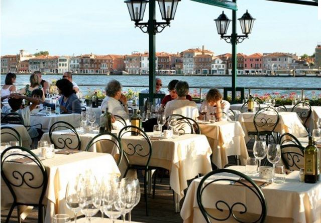 TERRAZZA DEI NOBILI    Have a good dish in the sunny terrace and enjoy the view over the Redentore! Suggestion: the spaguettis in scampis.