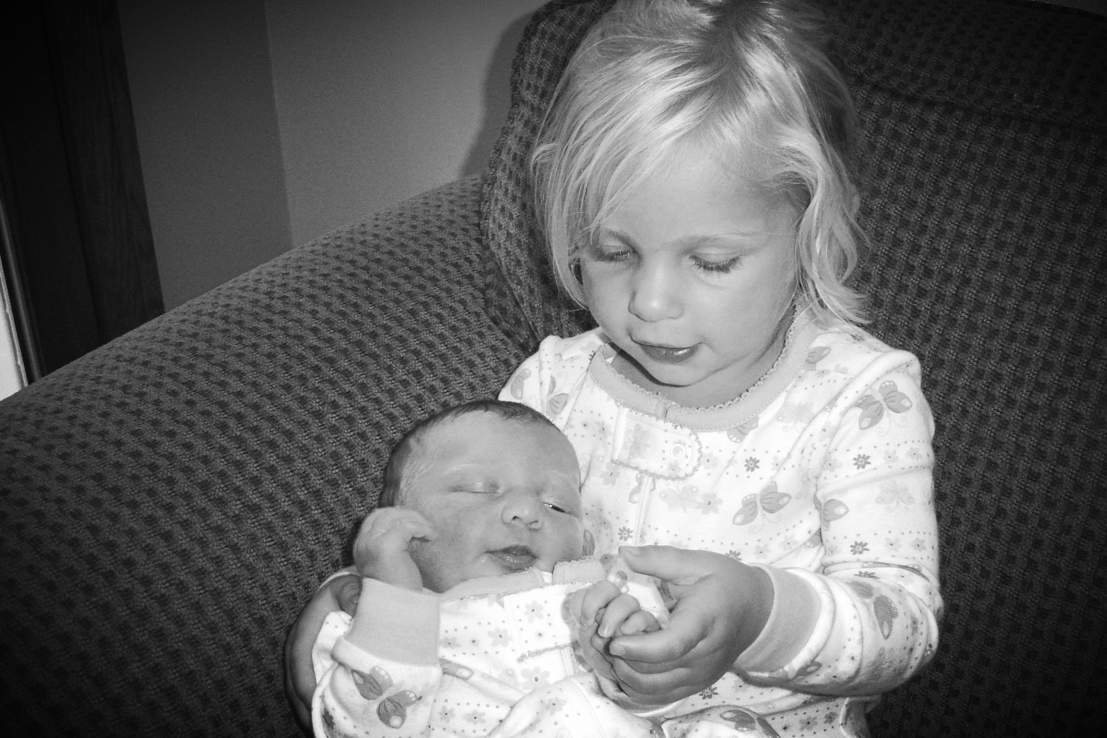 """GUEST POST:Today's article was written by my sister, Amber VanderVennen.  PICTURED: My two nieces Felicity and Faith, about a decade ago.    {Toddler and I have had a rough go of things lately. Last week, one of our afternoons ended in tears - both of us in tears. My sister Amber called that same afternoon and had all the love, encouragement, and advice to share. I told her, """"If you ever want to write a blog post about all this stuff, please do so."""" And she did. Usually I would never say  , """"Come to this page for great parenting advice!"""" But when your sister has six children and has survived four toddlers so far, you know she has great advice to offer. Thank you Amber, for taking time to write for us today!}"""