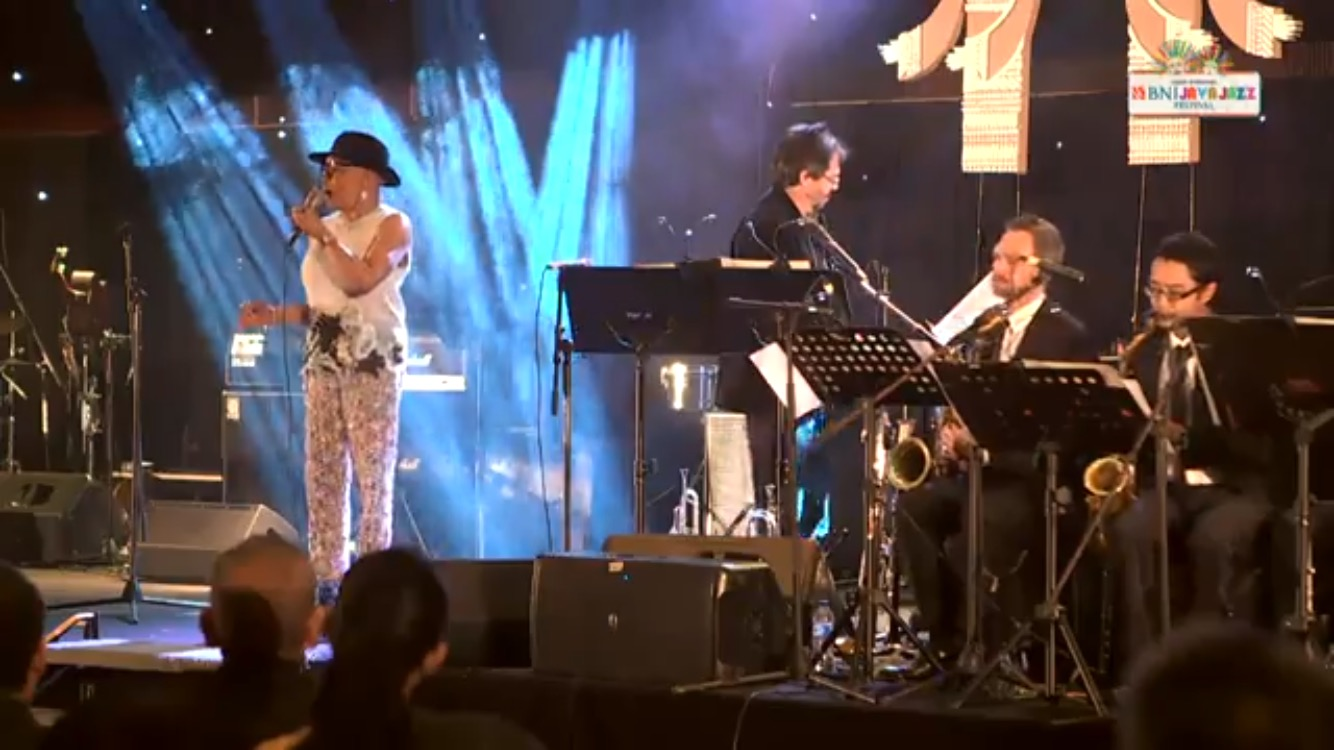 2017 Java Jazz Festival with the Ron King Big Band featuring Dee Dee Bridgewater - Jakarta, Indonesia March 2017