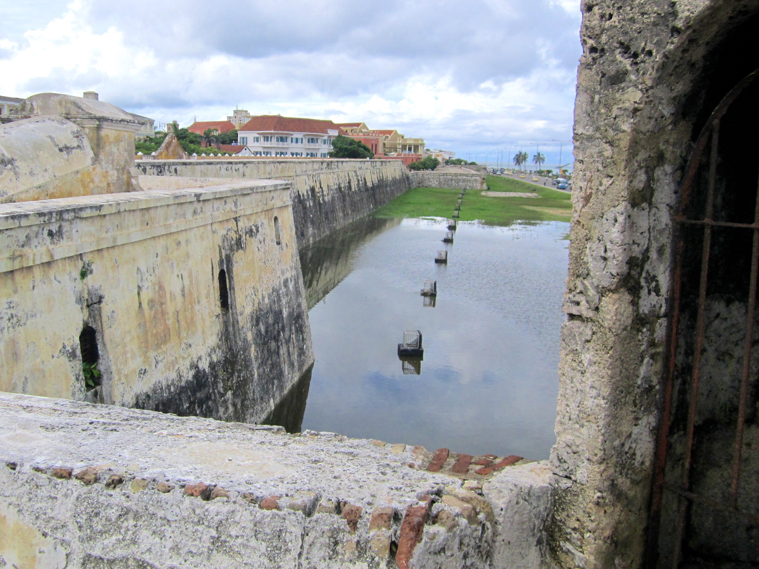 THE MOAT AROUND THE FORT..jpg