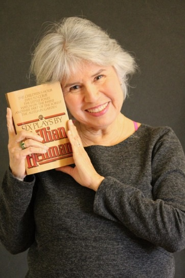 Celebrity reader actress  Christine Avila