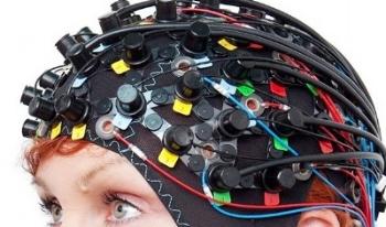 NIRS-EEG photo - small.jpg