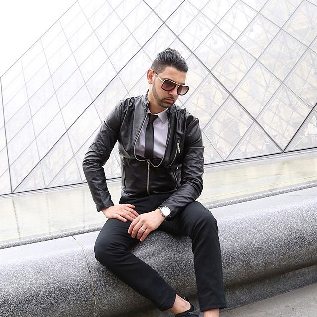 By the Lourve museum in Paris, monotone inspired outfit by @swuave.official. . Shop the collection via: Swuave.com Shipping Worldwide 🌏