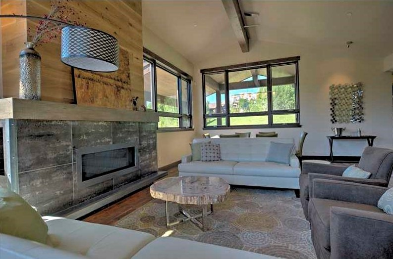 Silverthorne fireplace.jpg