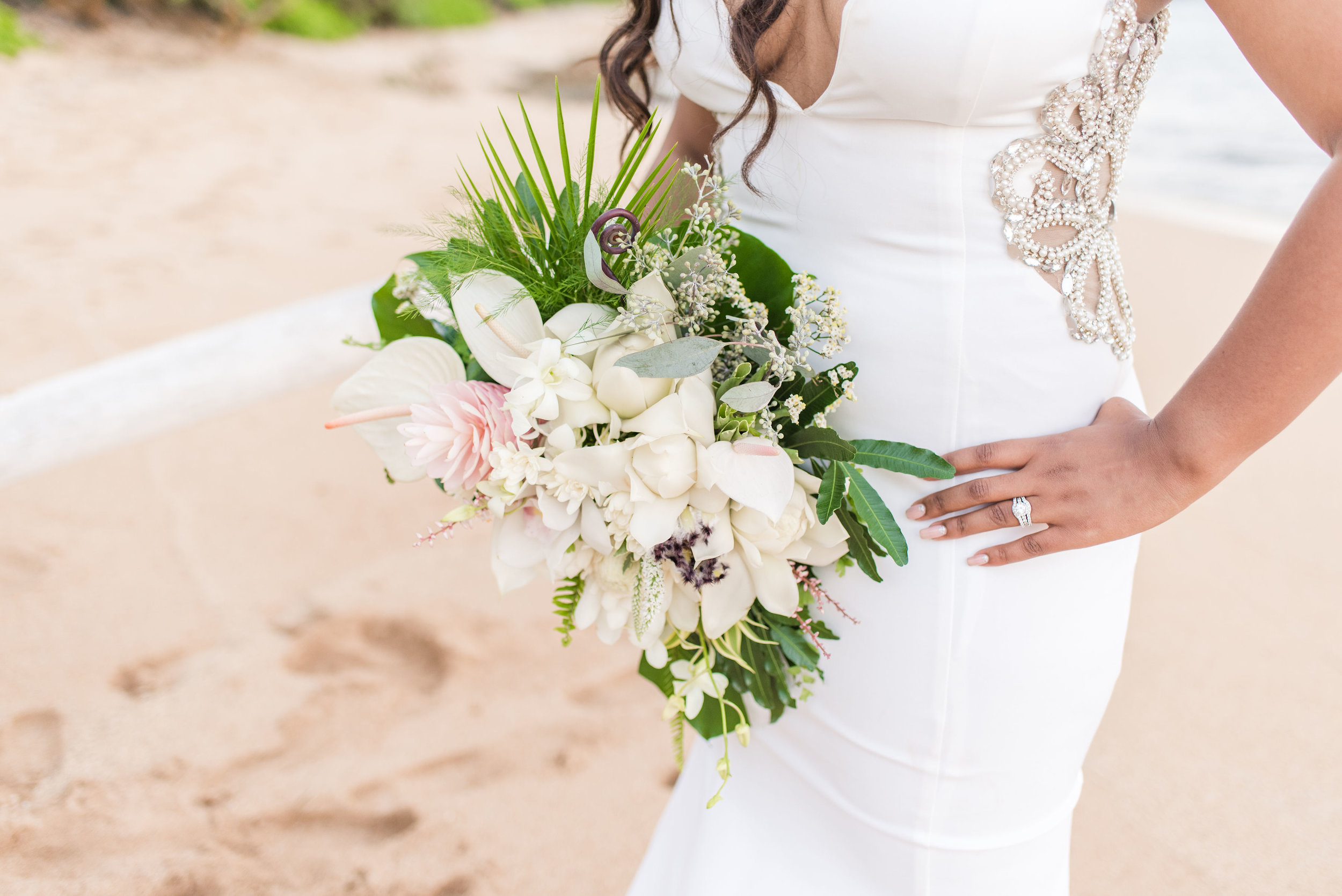 Kealoha Flowers - Arch rentals, candles, bouquets, flower crowns, leis, boutonnieres, centerpieces, hair flowers, cake flowers.