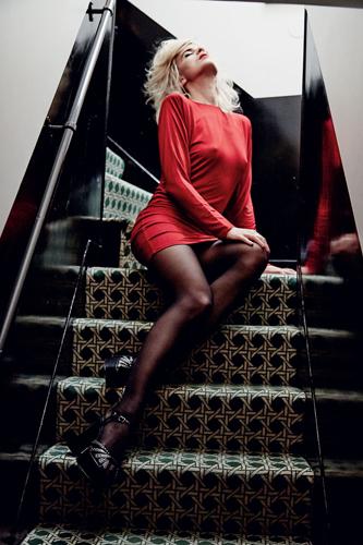 Harper-Bazaar-Brazil_Fe-Pinheiro_Barbara-Baumel_Cecile-Cassel_04.jpg
