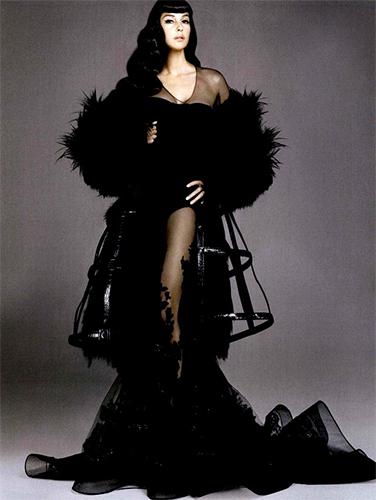 Monica-Belucci_Vogue-Spain_Alix-Malka_Barbara-Baumel_11.jpg