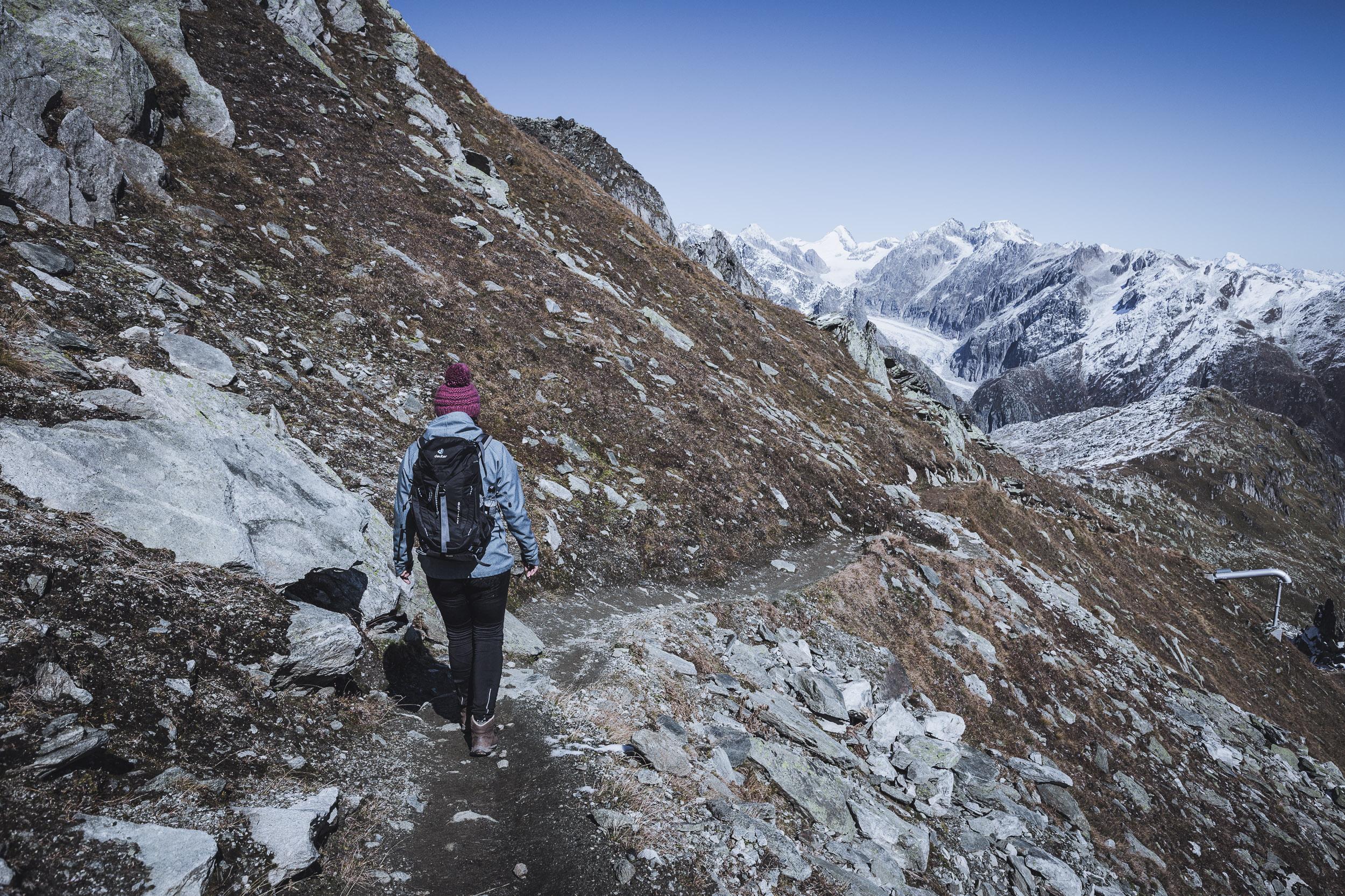 Wandern mit Blick auf den Fiescher Gletscher