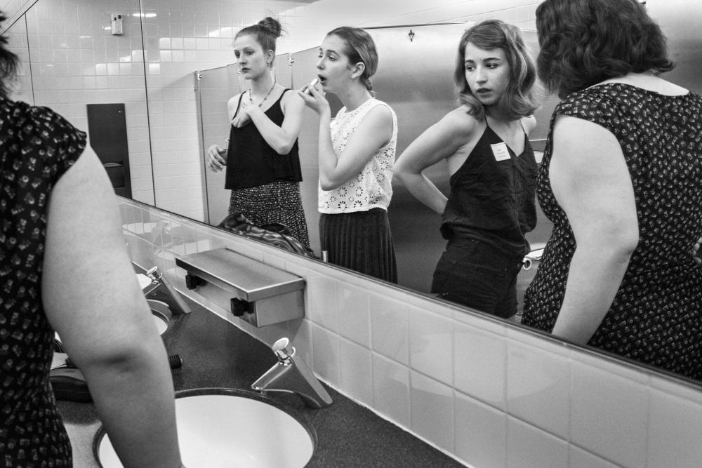 rosanna.bach_ladies.room-2.jpg