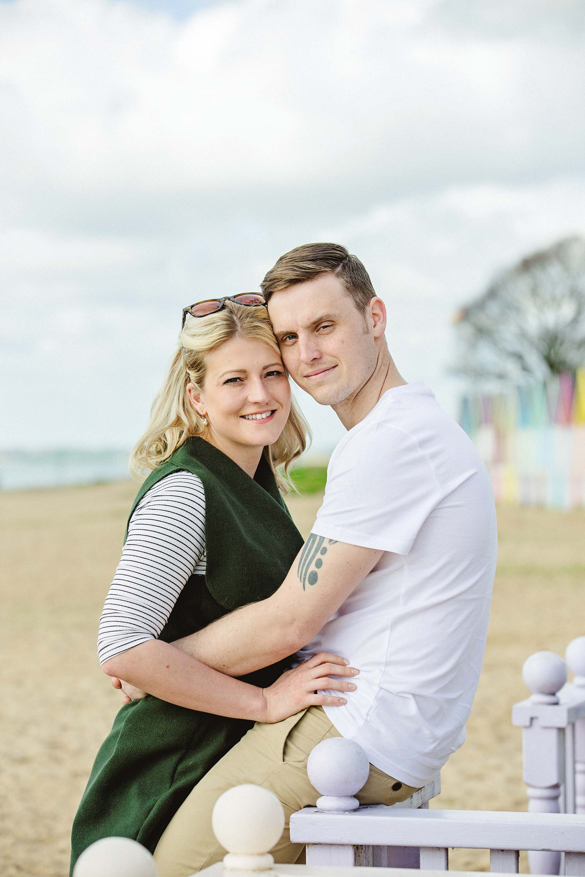 Mersea-Island-Beach-Engagement_0017.jpg