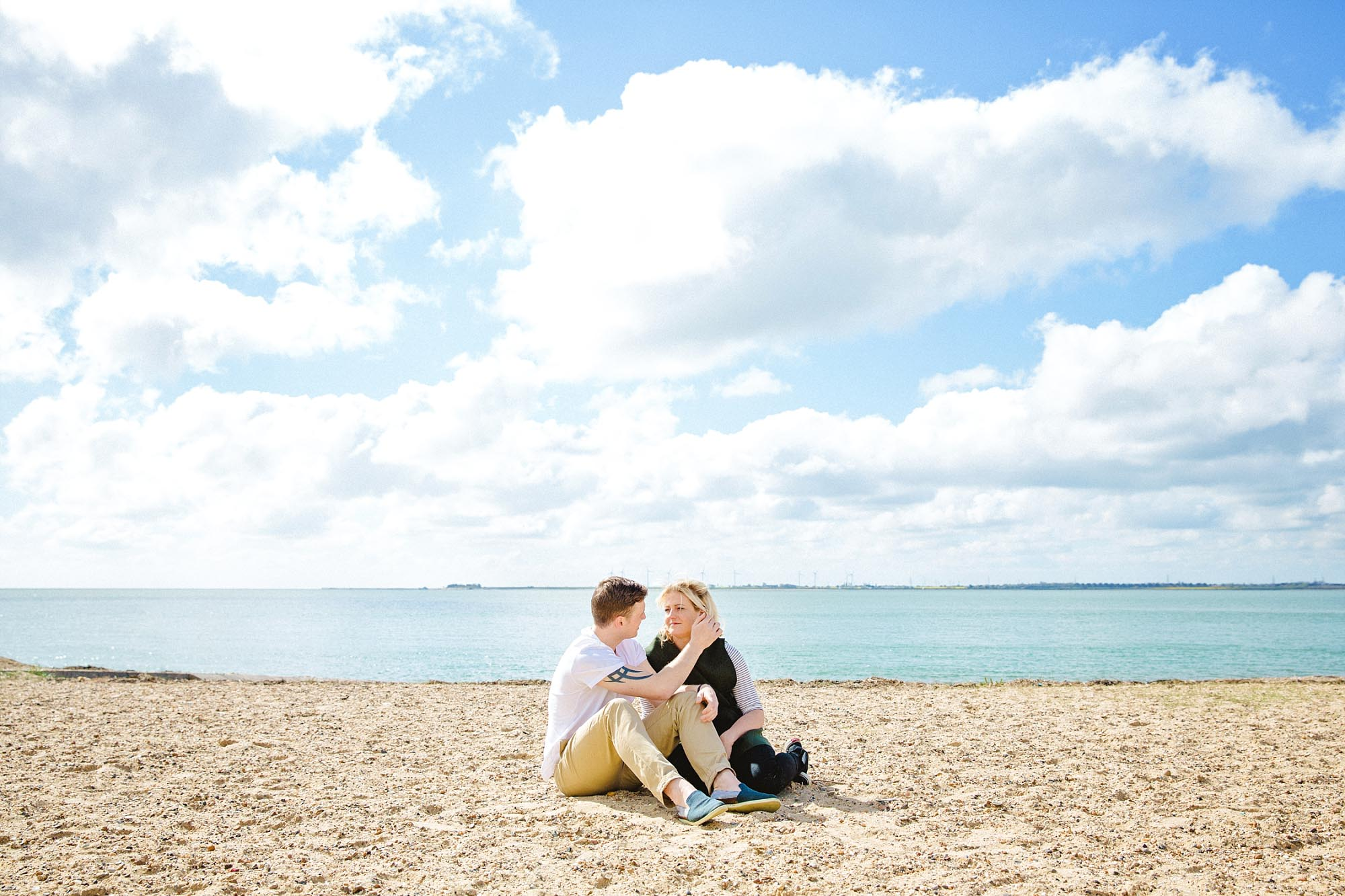 Mersea-Island-Beach-Engagement_0024.jpg