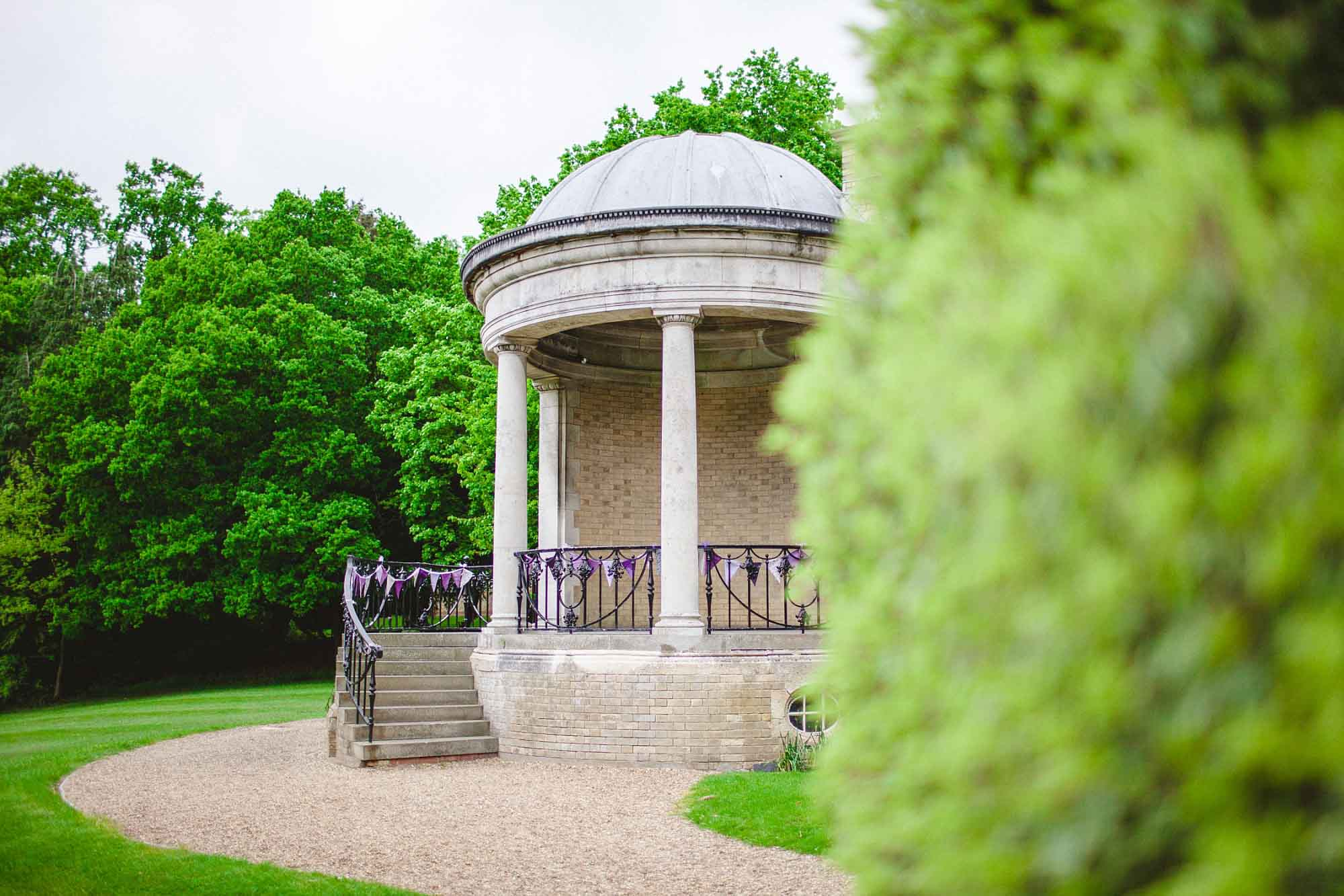 Ponsbourne-Park-Hotel-Wedding_0001.jpg