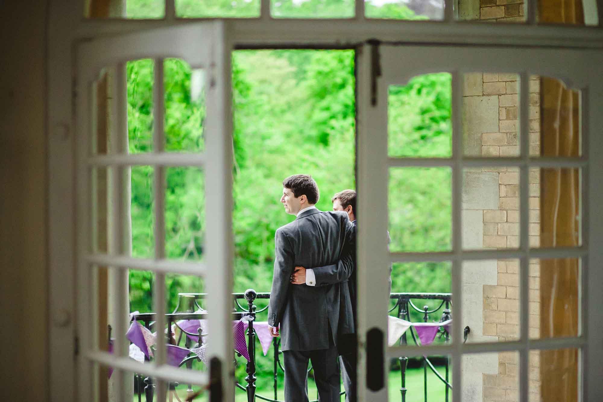 Ponsbourne-Park-Hotel-Wedding_0012.jpg