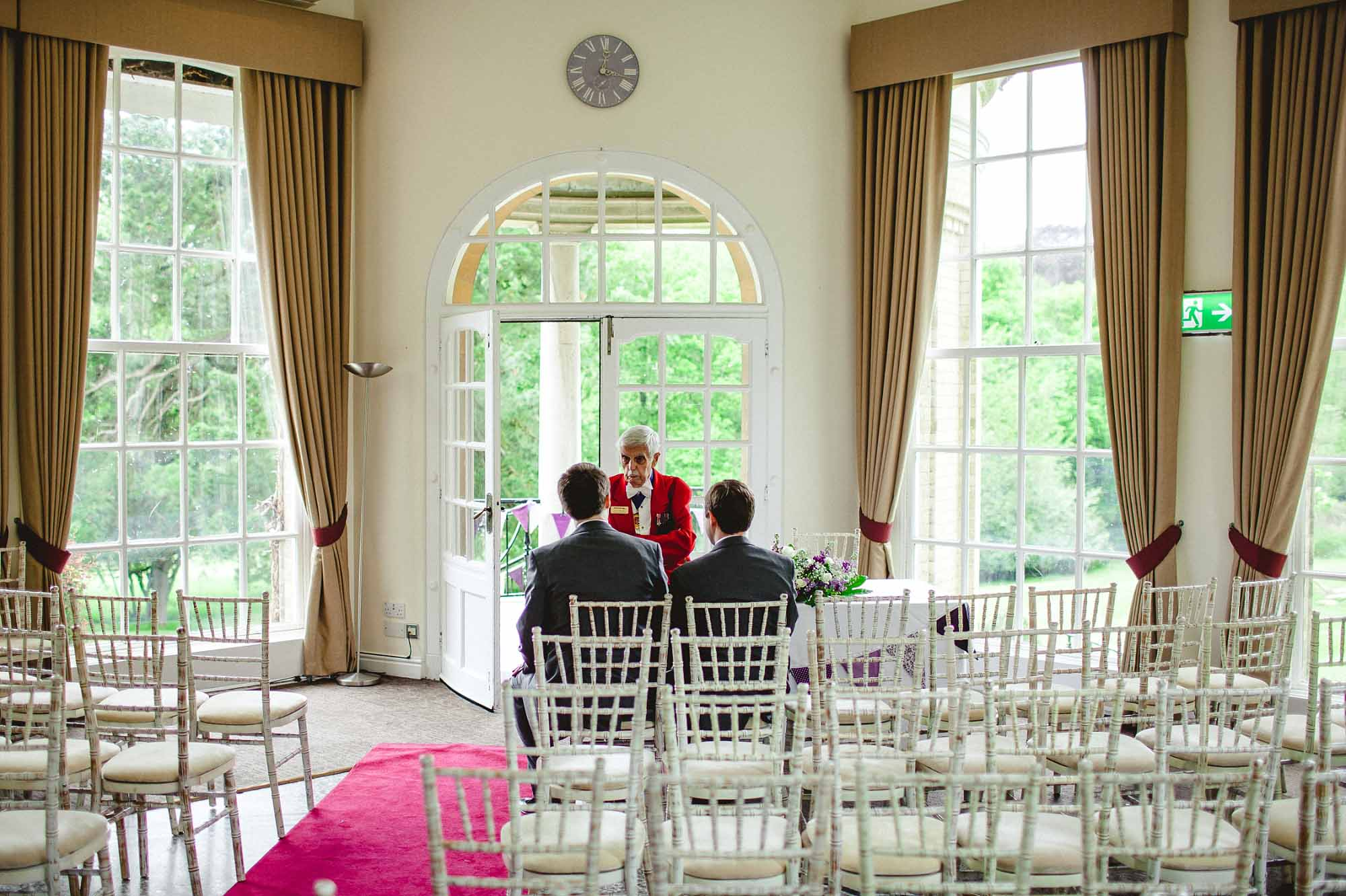 Ponsbourne-Park-Hotel-Wedding_0024.jpg