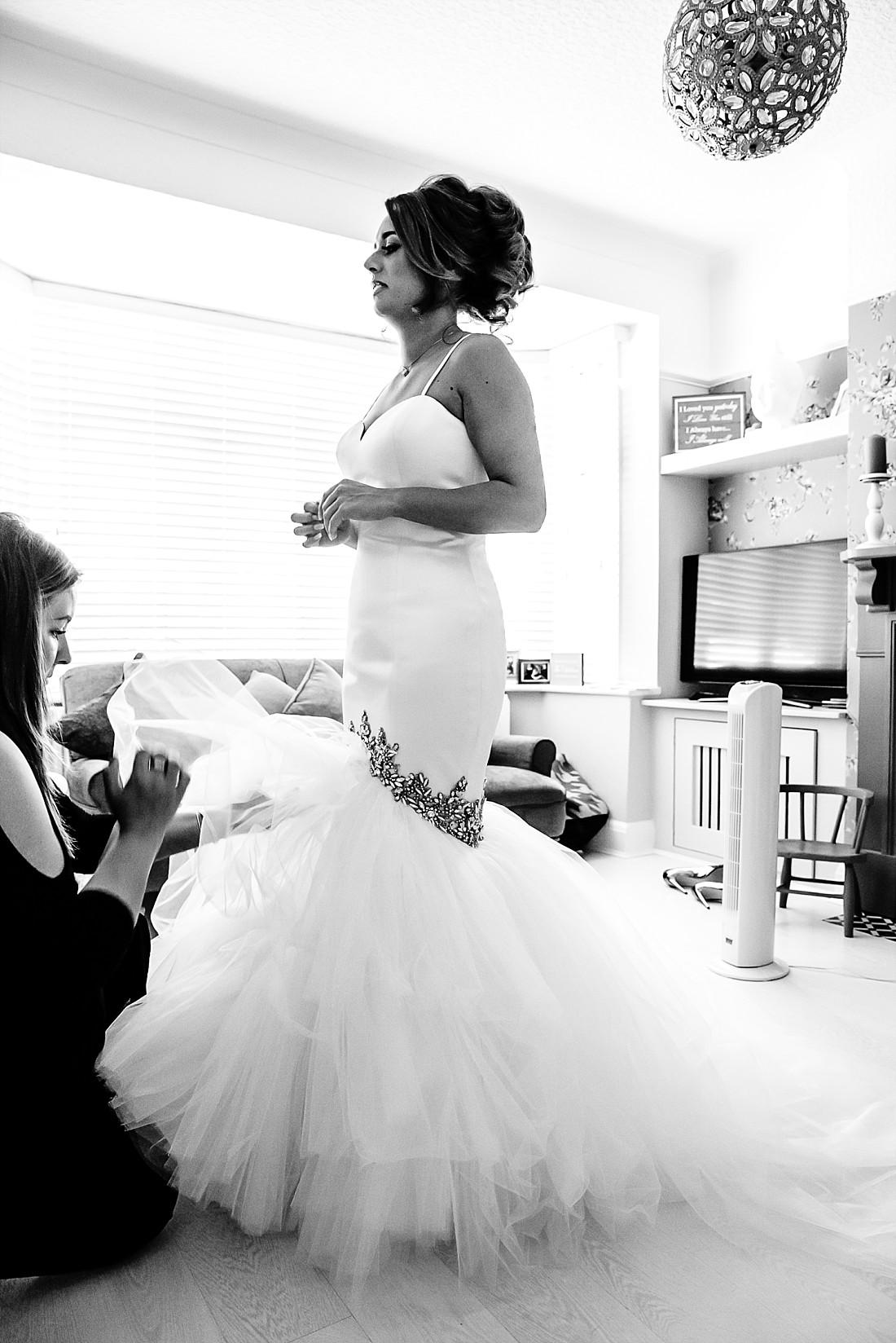 Moor-Hall-Essex-Wedding-Photographer_0331.jpg
