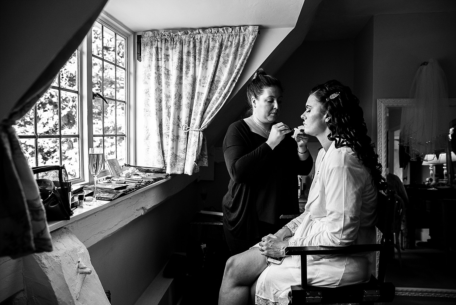 Houchins Wedding Photographer Bridal Preparations