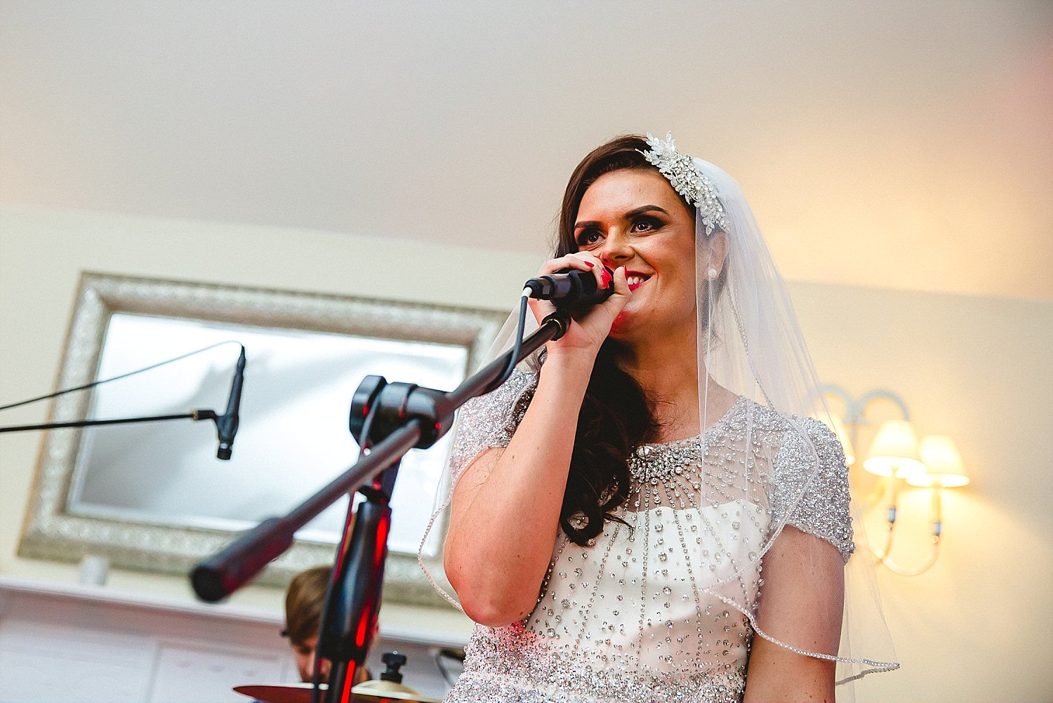 Houchins Wedding Photographer - Bride singing