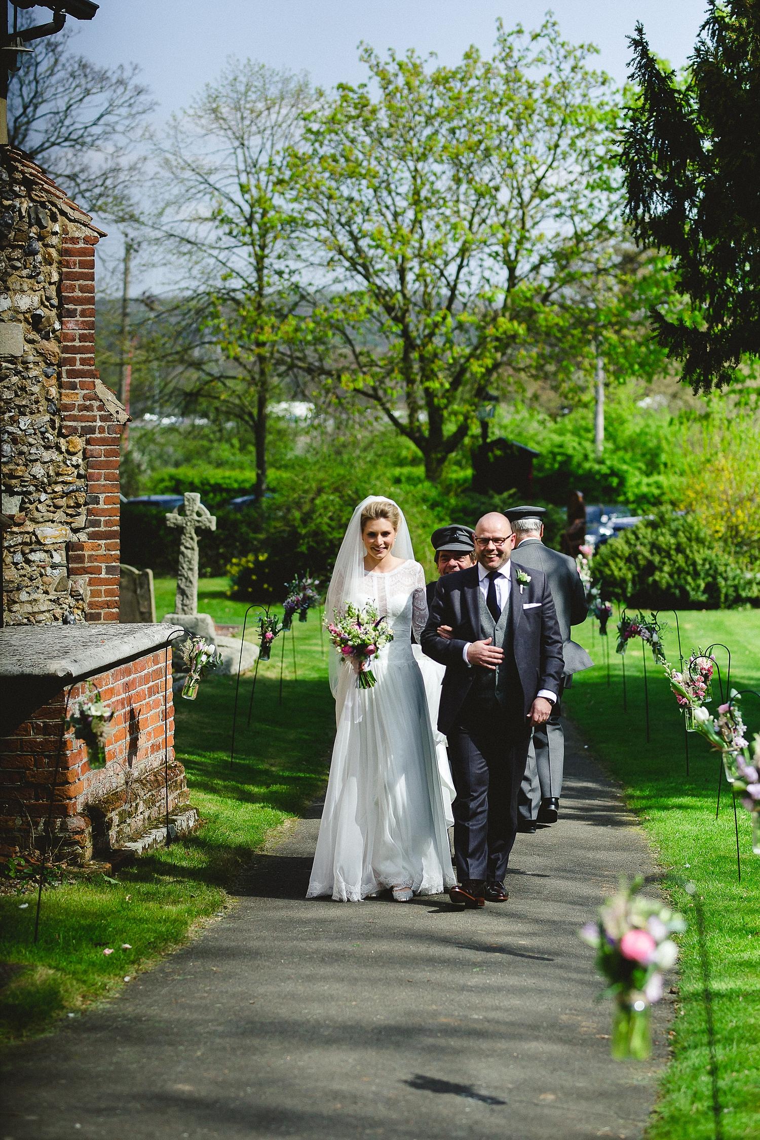 Gaynes-Park-Wedding-Photographer_0048.jpg