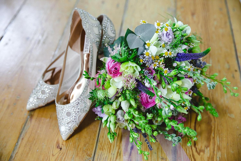 Gaynes-Park-Wedding-Photographer_0016.jpg