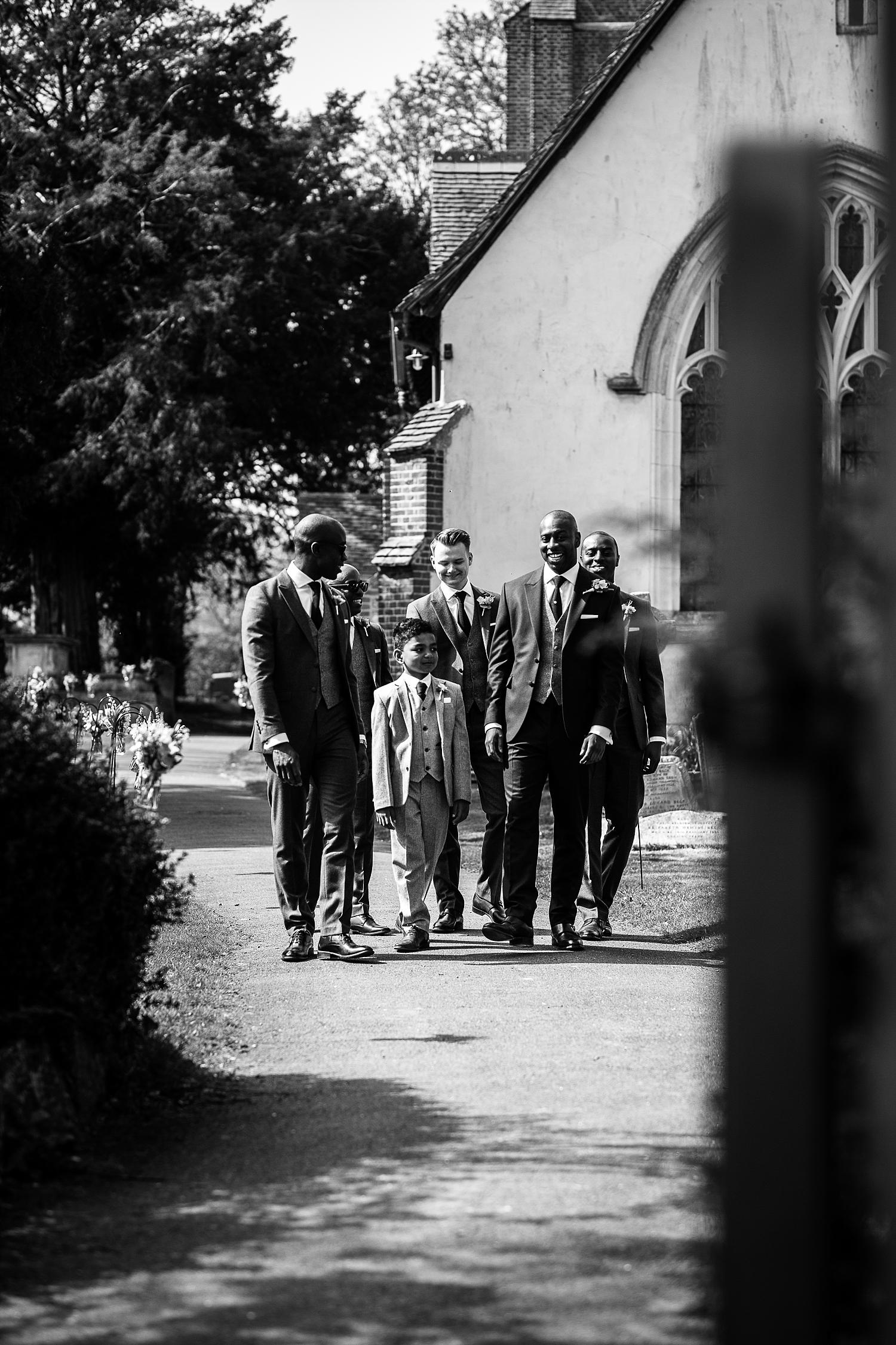 Gaynes-Park-Wedding-Photographer_0041.jpg