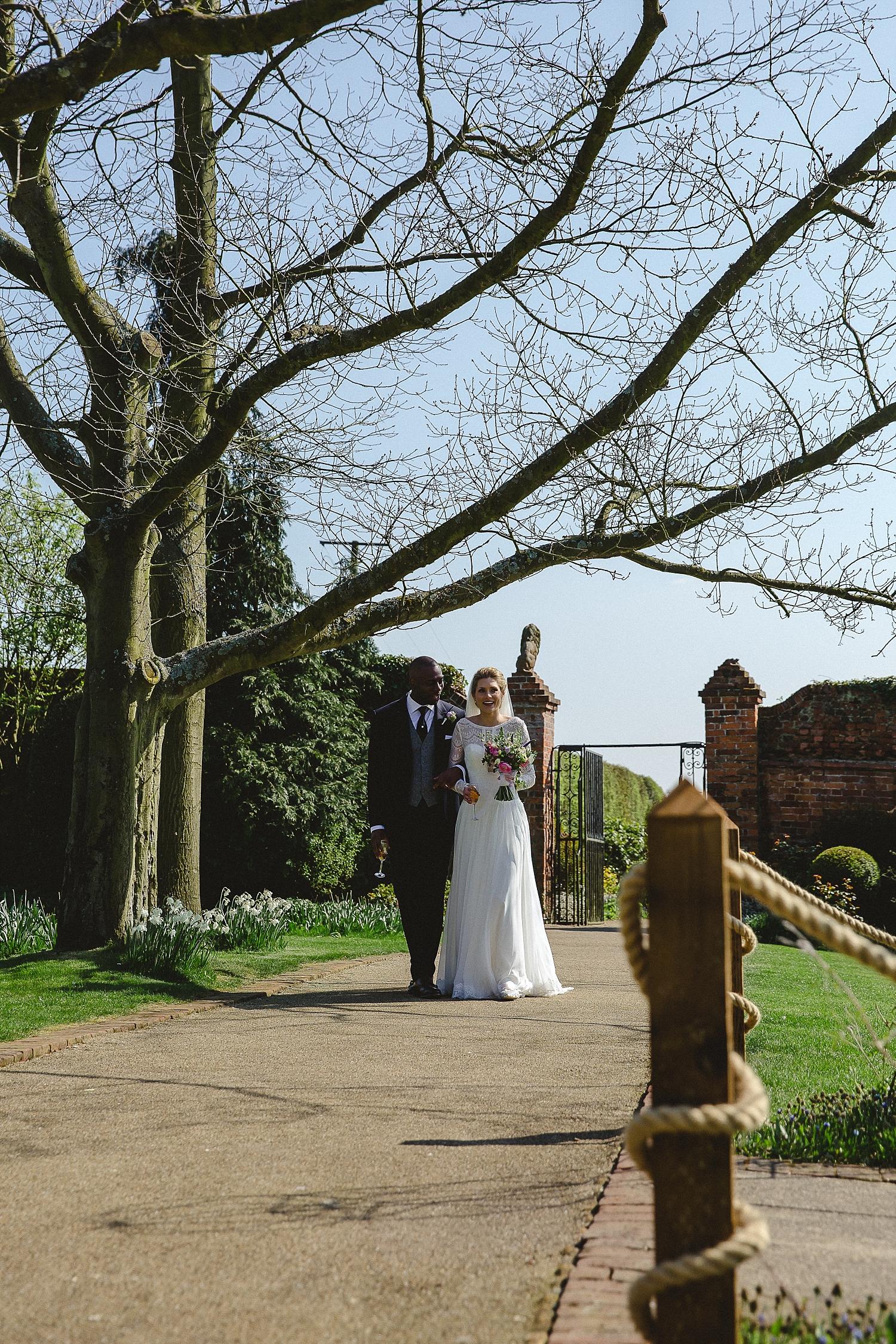 Gaynes-Park-Wedding-Photographer_0075.jpg