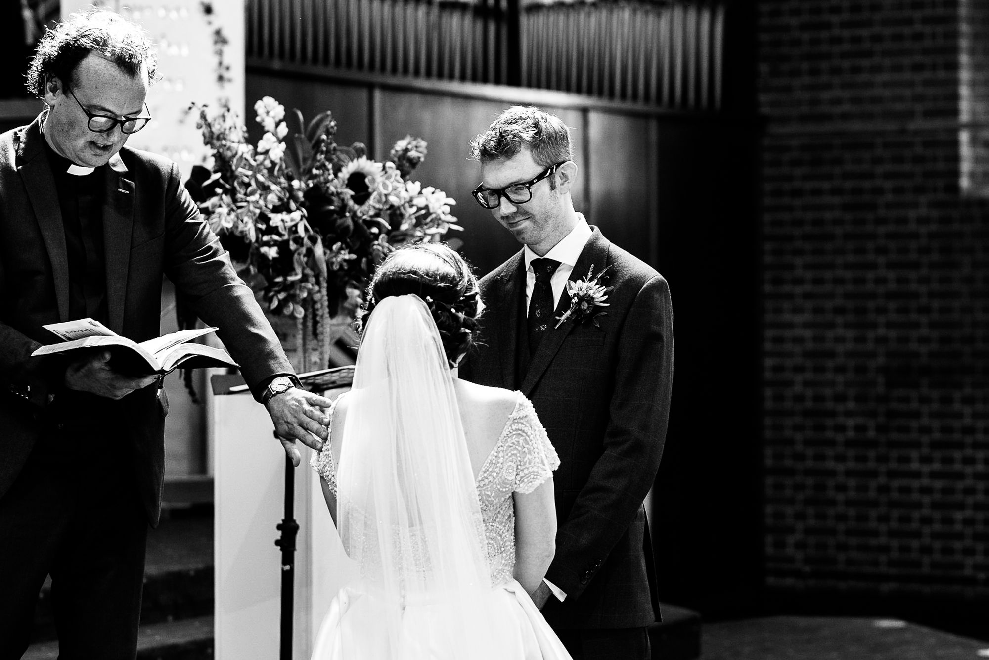 Chenies Manor House Wedding Photographer_0045.jpg