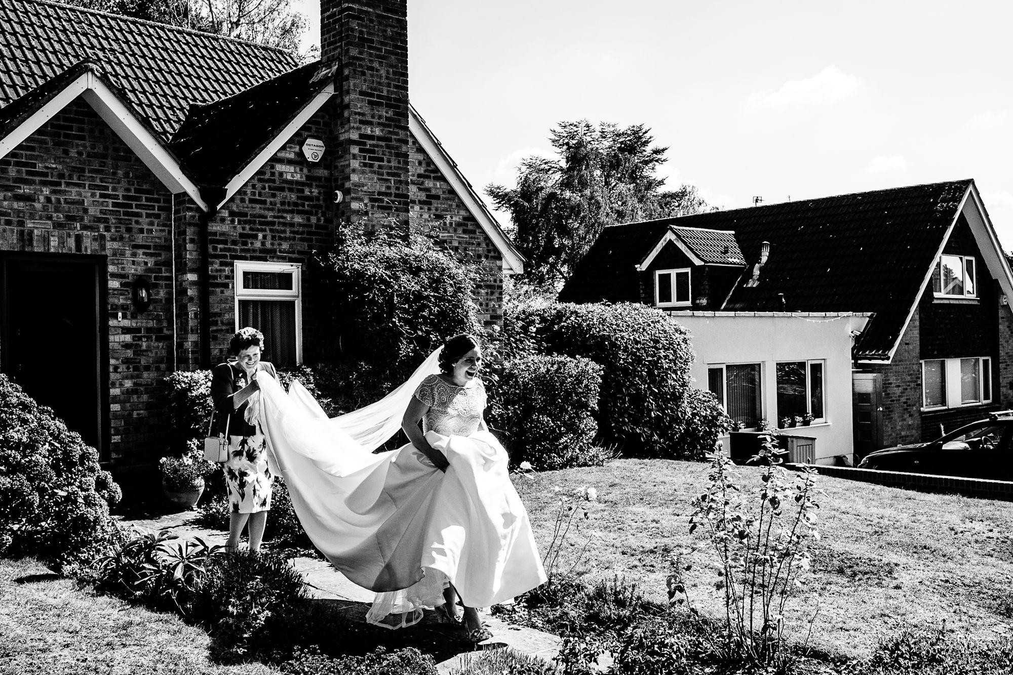 Chenies Manor House Wedding Photographer_0203.jpg